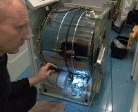 Течет вода, подтекает в сушильной машине ELECTROLUX